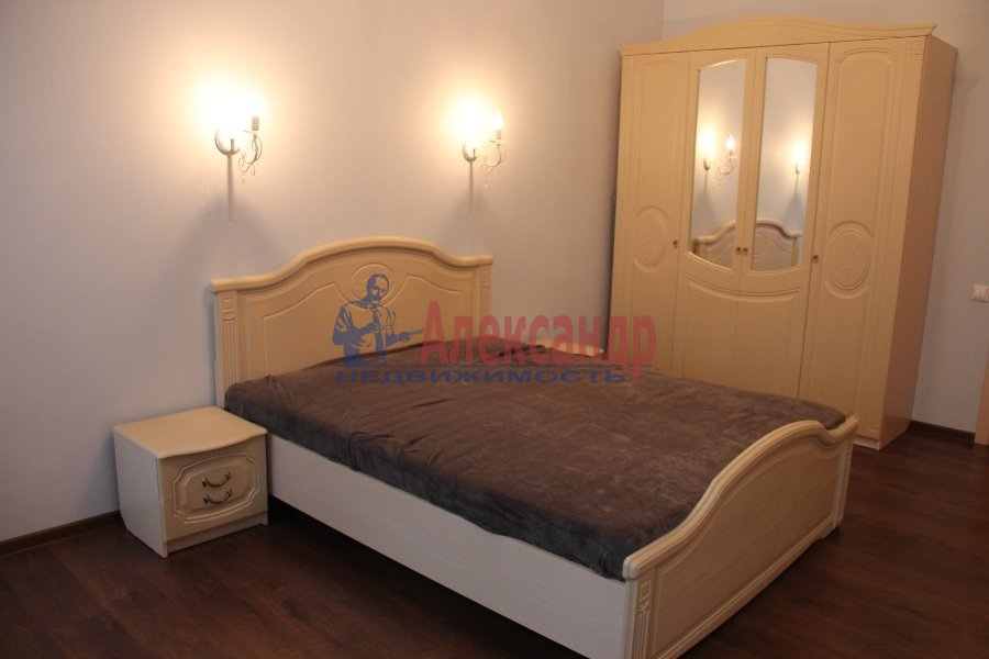 1-комнатная квартира (40м2) в аренду по адресу Ждановская наб., 7— фото 2 из 4