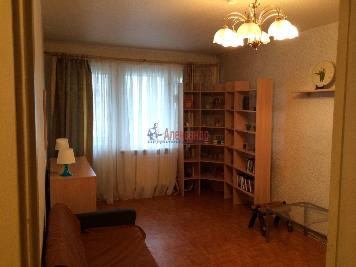 1-комнатная квартира (35м2) в аренду по адресу Пловдивская ул., 10— фото 2 из 2