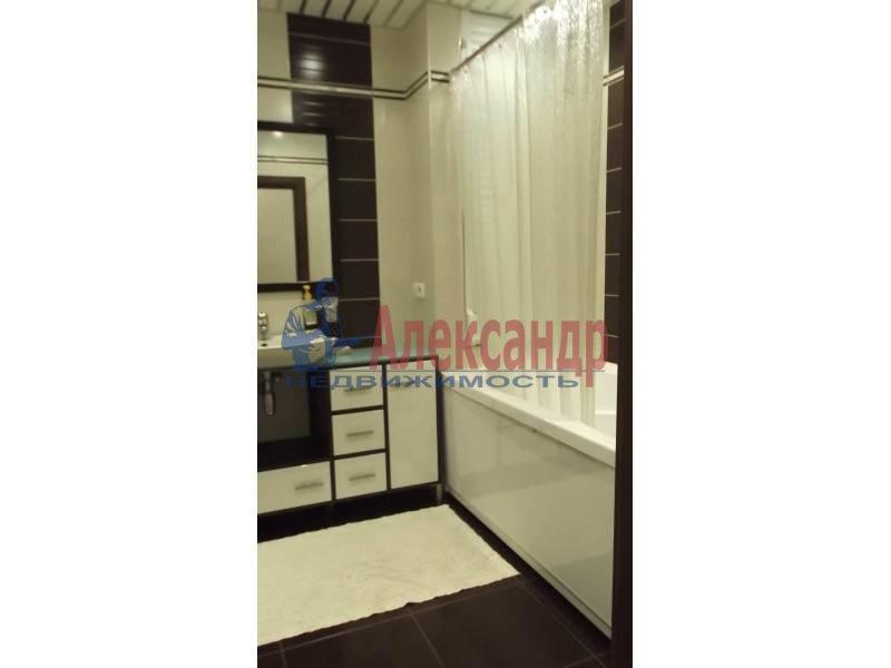 3-комнатная квартира (100м2) в аренду по адресу Коломяжский пр., 15— фото 4 из 14