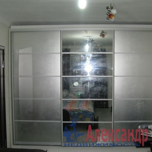 1-комнатная квартира (41м2) в аренду по адресу Науки пр., 63— фото 7 из 7