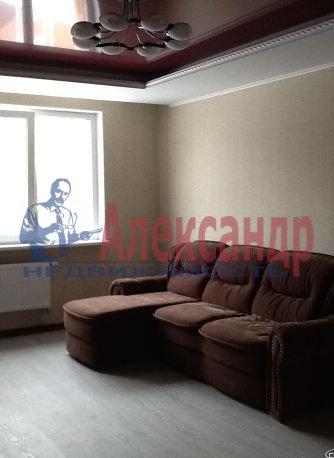 2-комнатная квартира (68м2) в аренду по адресу Ленинский пр., 135— фото 1 из 6
