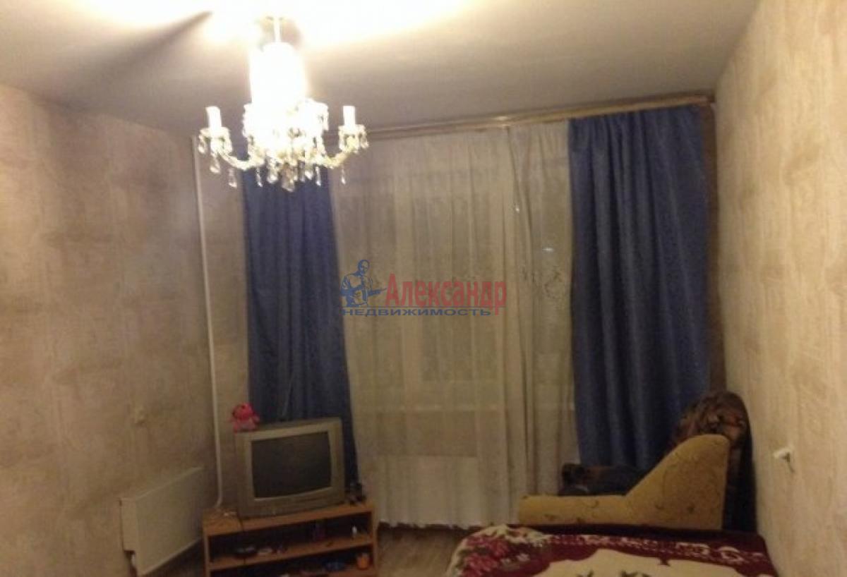 Комната в 3-комнатной квартире (57м2) в аренду по адресу Стачек пр., 188— фото 1 из 5