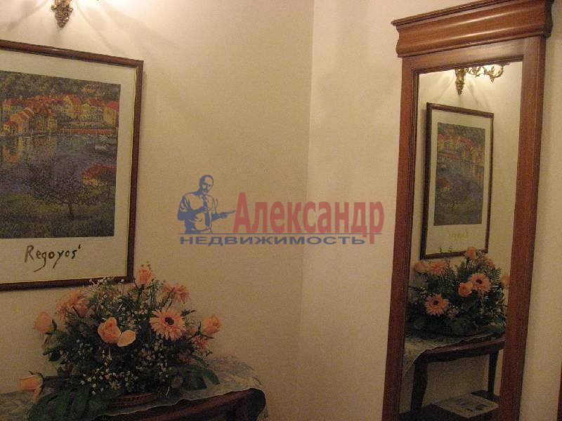1-комнатная квартира (70м2) в аренду по адресу Рубинштейна ул., 3— фото 6 из 13