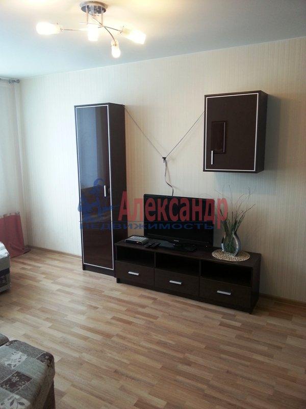 1-комнатная квартира (45м2) в аренду по адресу Варшавская ул., 23— фото 1 из 9