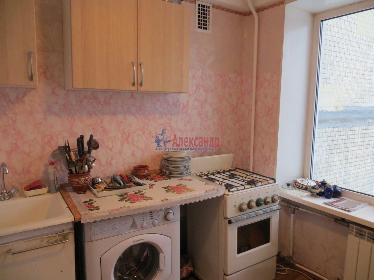 1-комнатная квартира (35м2) в аренду по адресу Есенина ул., 1— фото 1 из 9