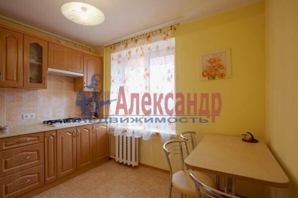 2-комнатная квартира (58м2) в аренду по адресу Богатырский пр., 7— фото 2 из 4