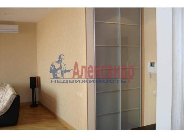 2-комнатная квартира (70м2) в аренду по адресу Бармалеева ул., 15— фото 6 из 6
