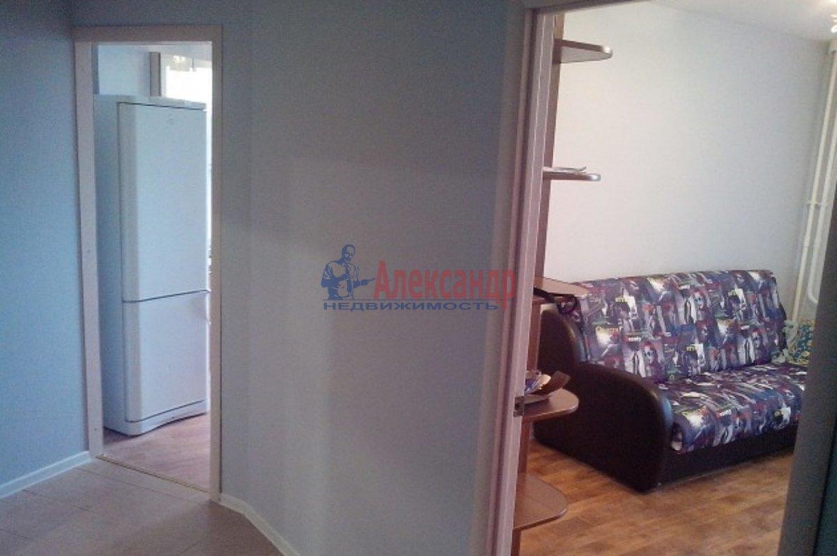1-комнатная квартира (37м2) в аренду по адресу Михаила Дудина ул., 1— фото 2 из 6