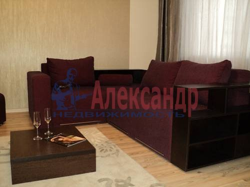 2-комнатная квартира (60м2) в аренду по адресу Типанова ул., 34— фото 7 из 8