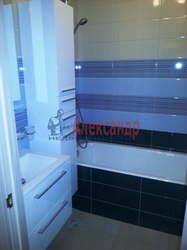 1-комнатная квартира (47м2) в аренду по адресу Ленинский пр., 74— фото 4 из 4