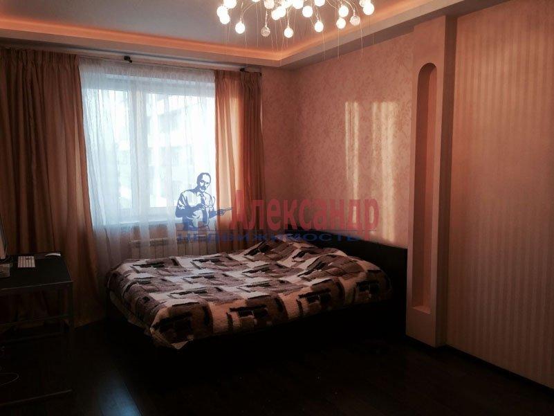 1-комнатная квартира (35м2) в аренду по адресу Маринеско ул., 4— фото 2 из 4