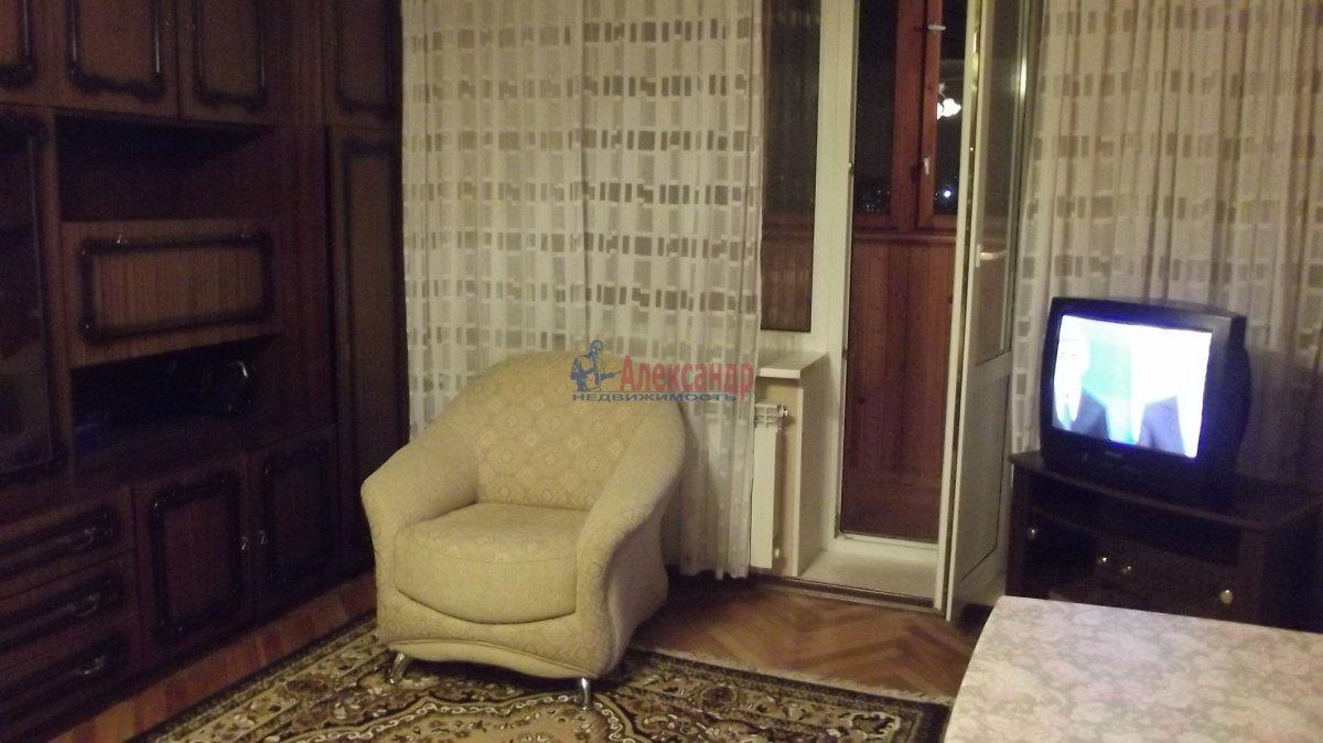 1-комнатная квартира (35м2) в аренду по адресу Пушкинская ул., 2— фото 1 из 4