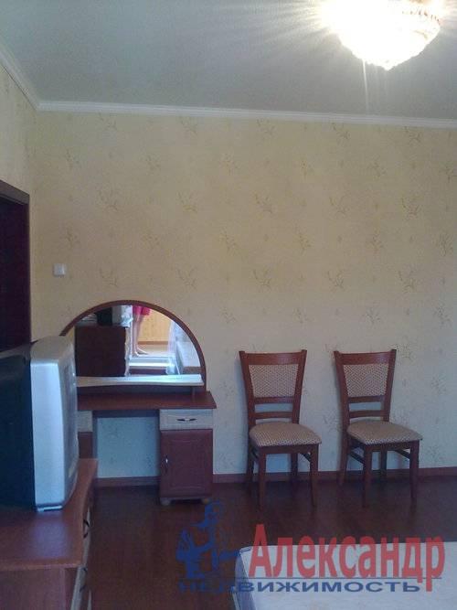 3-комнатная квартира (92м2) в аренду по адресу Пулковская ул., 17— фото 3 из 17