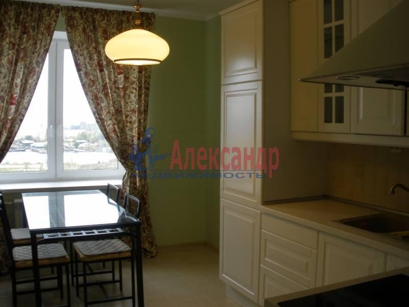 2-комнатная квартира (70м2) в аренду по адресу Морская наб., 37— фото 1 из 8