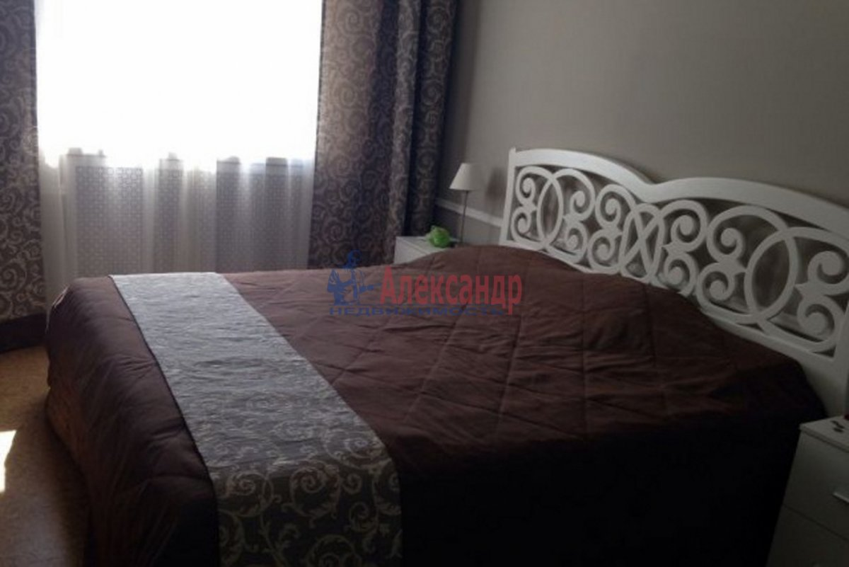 1-комнатная квартира (56м2) в аренду по адресу Казанская ул., 24— фото 1 из 4