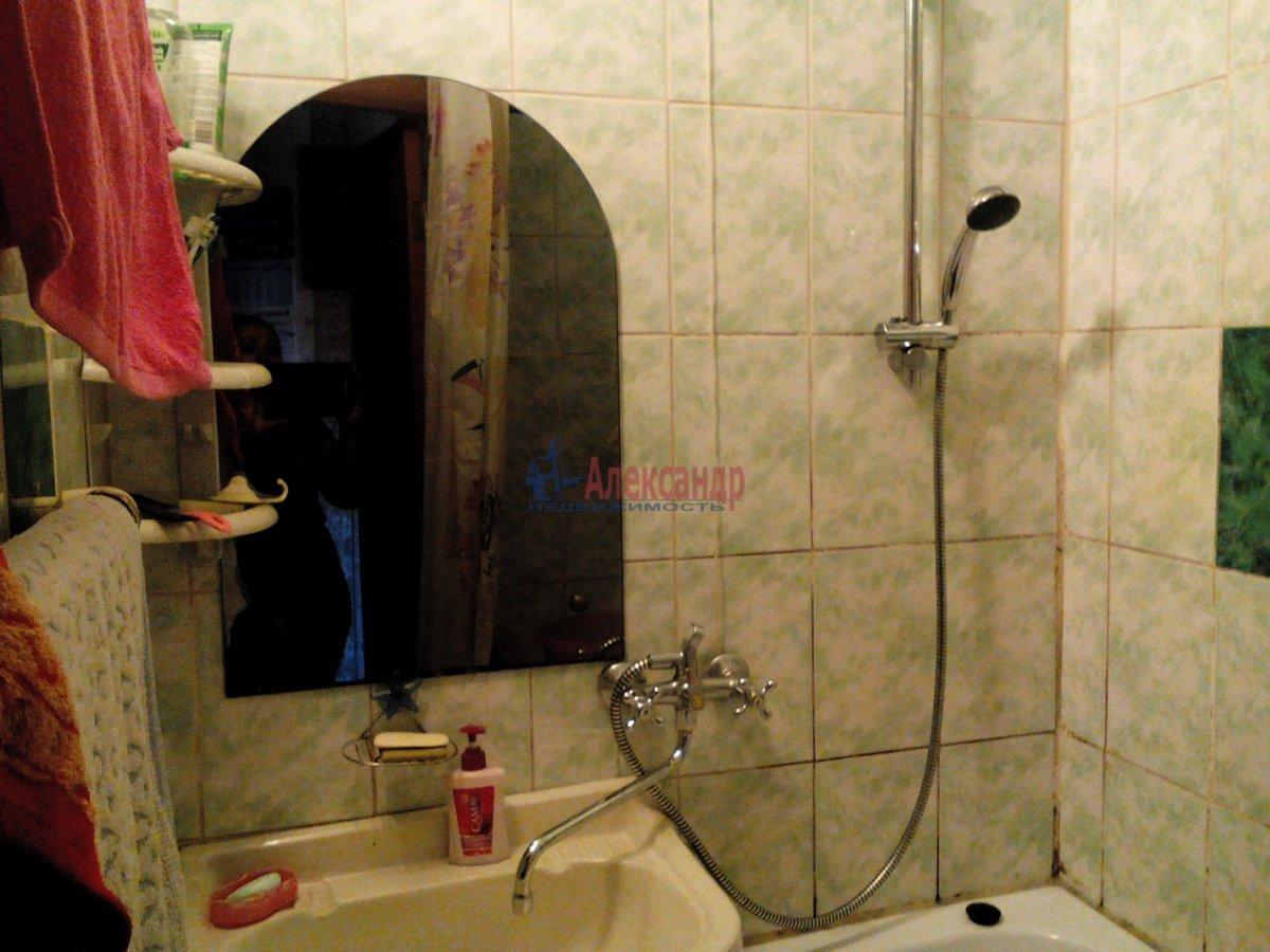 Комната в 2-комнатной квартире (50м2) в аренду по адресу Орджоникидзе ул., 35— фото 3 из 4