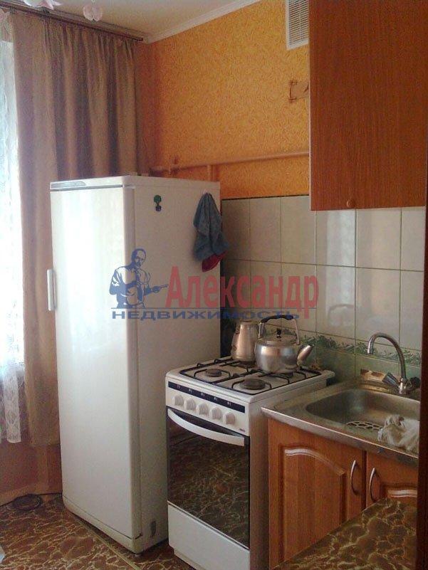 1-комнатная квартира (35м2) в аренду по адресу Маринеско ул., 4— фото 1 из 4