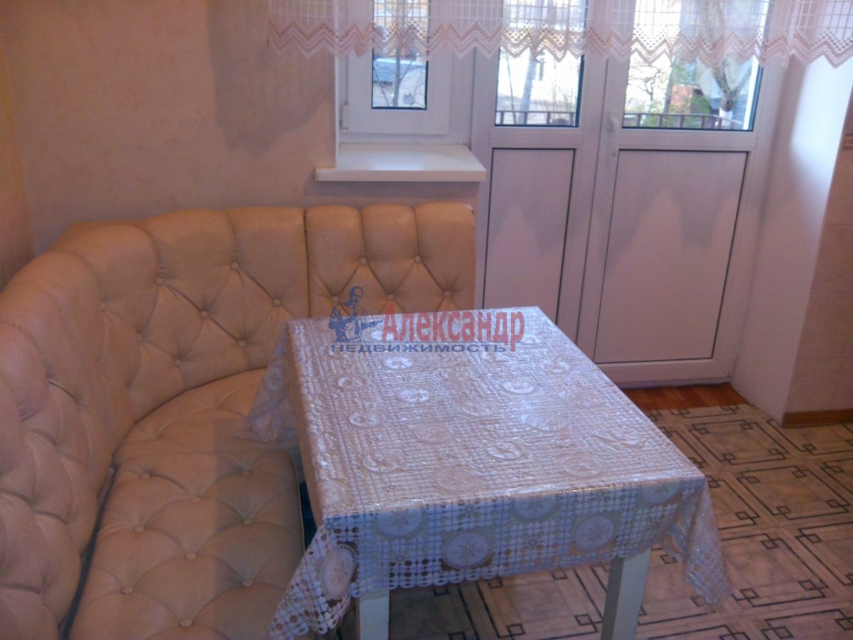 1-комнатная квартира (36м2) в аренду по адресу Тимуровская ул., 30— фото 2 из 3