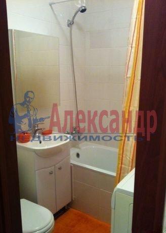 2-комнатная квартира (62м2) в аренду по адресу Глухарская ул., 5— фото 7 из 8