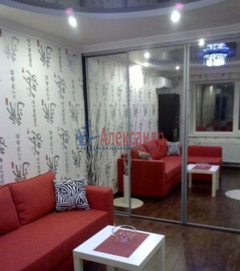 2-комнатная квартира (75м2) в аренду по адресу Богатырский пр., 49— фото 2 из 5