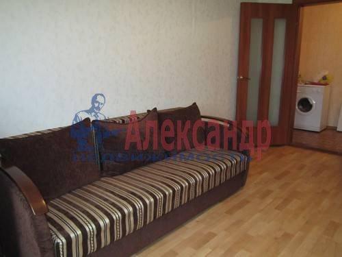 1-комнатная квартира (38м2) в аренду по адресу Ильюшина ул., 1— фото 1 из 2