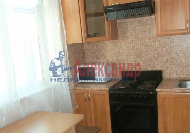 Комната в 2-комнатной квартире (51м2) в аренду по адресу Гражданский пр., 19— фото 2 из 3