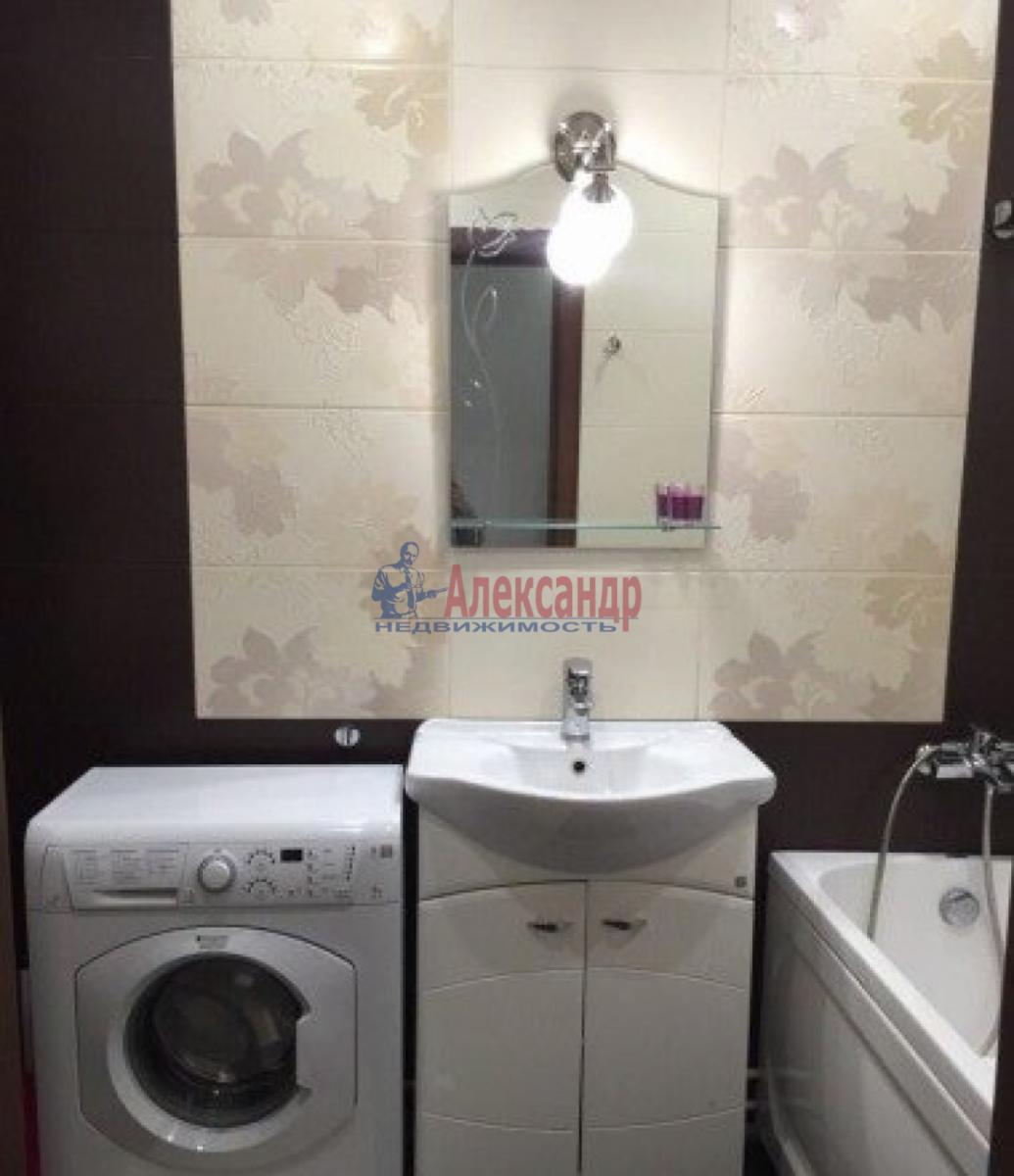 2-комнатная квартира (80м2) в аренду по адресу Космонавтов пр., 61— фото 4 из 5