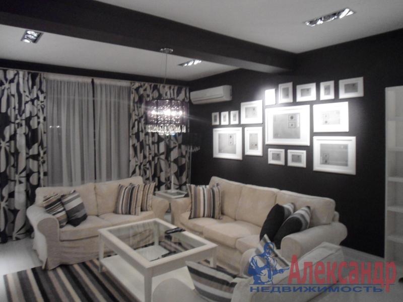 2-комнатная квартира (58м2) в аренду по адресу Обуховской Обороны пр., 138— фото 1 из 3