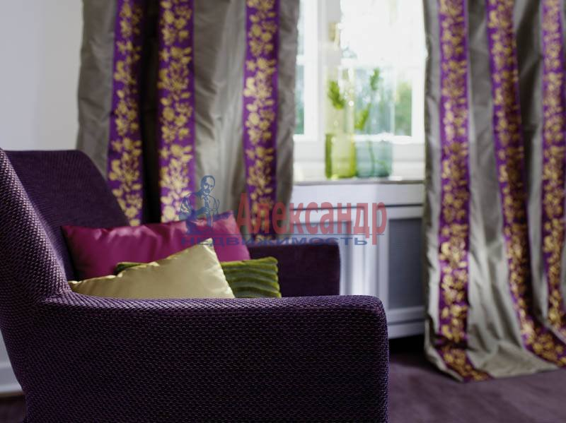 3-комнатная квартира (110м2) в аренду по адресу Краснопутиловская ул., 125— фото 1 из 1