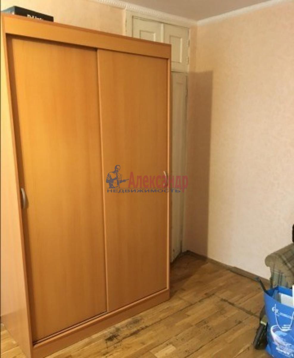 Комната в 2-комнатной квартире (45м2) в аренду по адресу Новоизмайловский просп., 63— фото 2 из 5