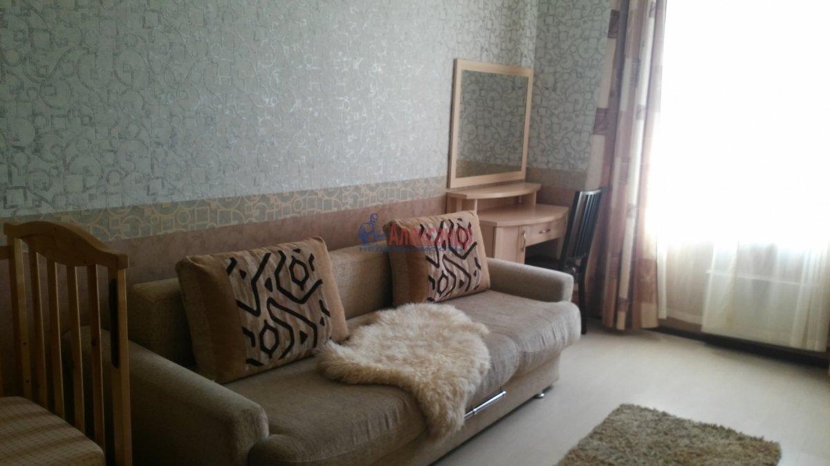 2-комнатная квартира (57м2) в аренду по адресу Ленинский пр., 109— фото 1 из 10