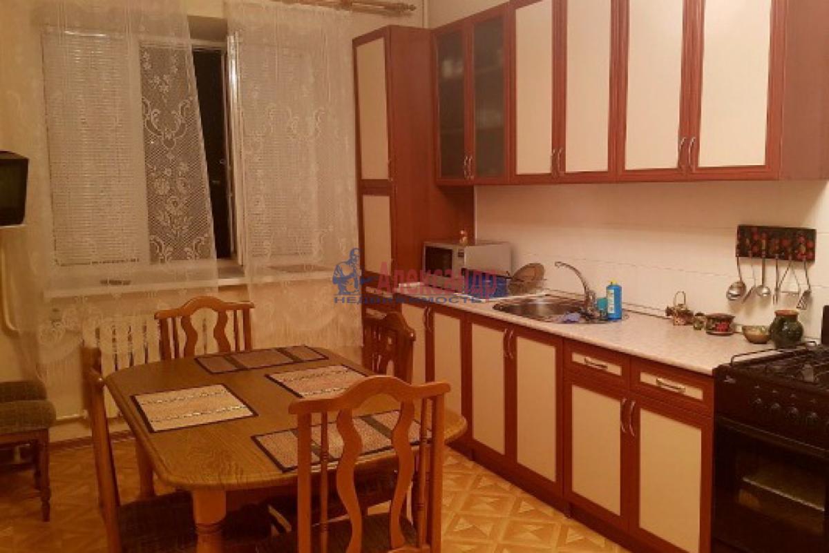1-комнатная квартира (32м2) в аренду по адресу Богатырский пр., 5— фото 1 из 3