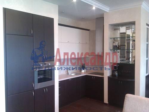 3-комнатная квартира (120м2) в аренду по адресу Композиторов ул., 4— фото 2 из 10