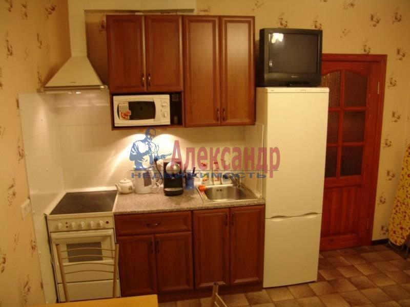 2-комнатная квартира (57м2) в аренду по адресу Богатырский пр., 7— фото 1 из 4
