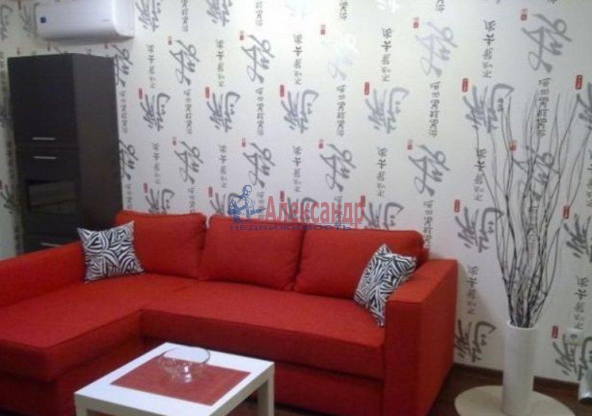 2-комнатная квартира (75м2) в аренду по адресу Богатырский пр., 49— фото 1 из 5