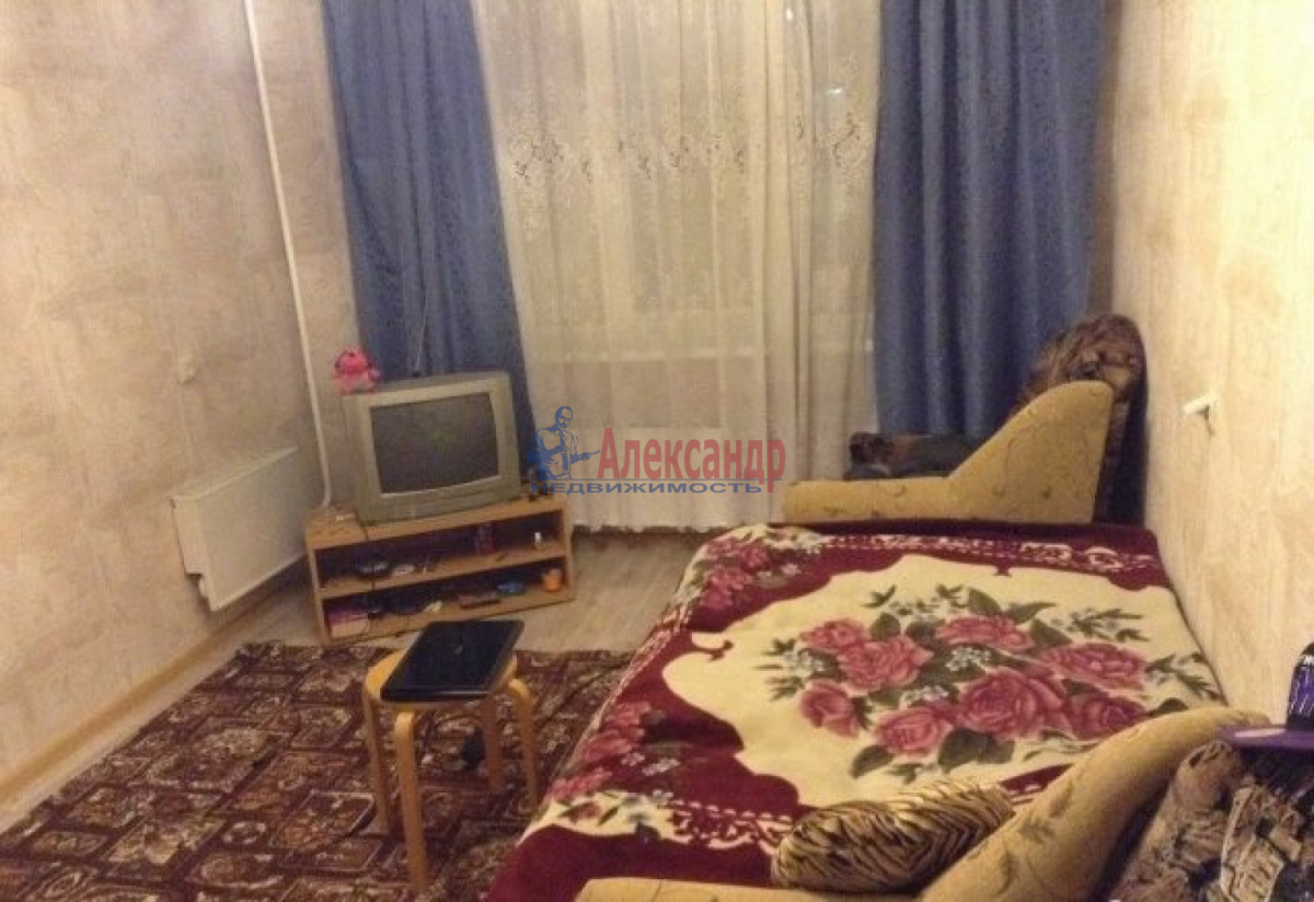 Комната в 3-комнатной квартире (57м2) в аренду по адресу Стачек пр., 188— фото 3 из 5