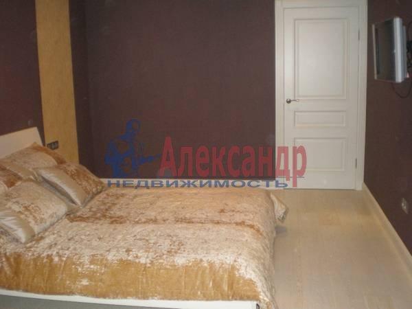 2-комнатная квартира (63м2) в аренду по адресу Большой Сампсониевский пр., 51— фото 1 из 5