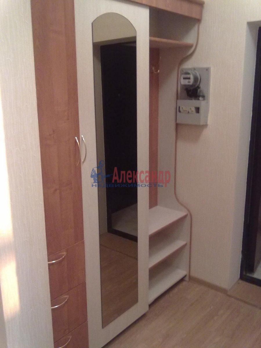 1-комнатная квартира (35м2) в аренду по адресу Резная ул., 6— фото 2 из 6