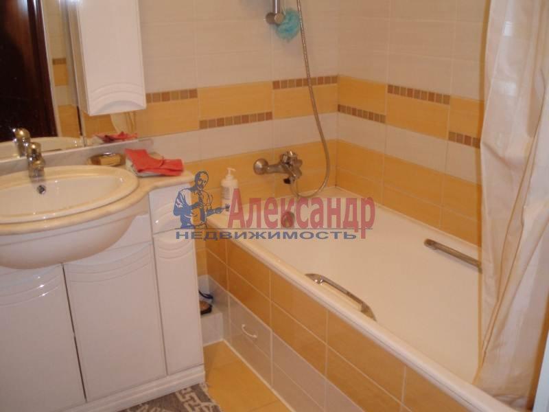 1-комнатная квартира (43м2) в аренду по адресу Большеохтинский пр., 9— фото 5 из 11