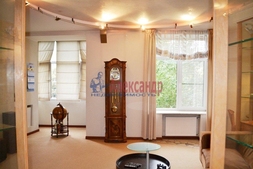 3-комнатная квартира (93м2) в аренду по адресу Суворовский пр., 62— фото 4 из 14