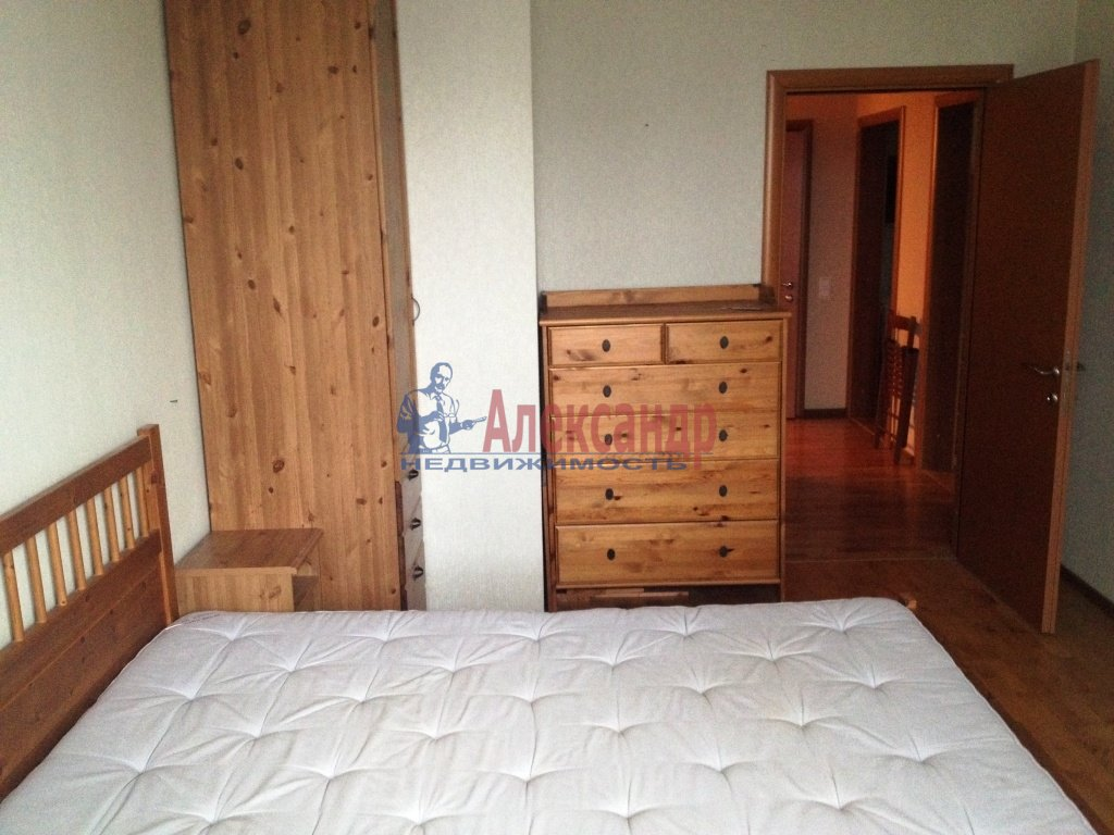 1-комнатная квартира (45м2) в аренду по адресу Народного Ополчения пр., 10— фото 2 из 5