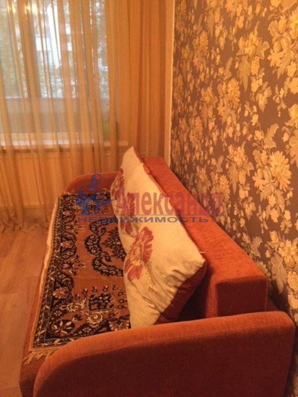 1-комнатная квартира (35м2) в аренду по адресу Славы пр., 30— фото 2 из 5
