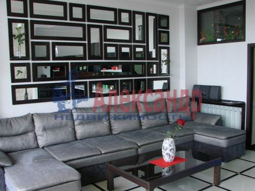 1-комнатная квартира (62м2) в аренду по адресу Петрозаводская ул., 16— фото 4 из 6