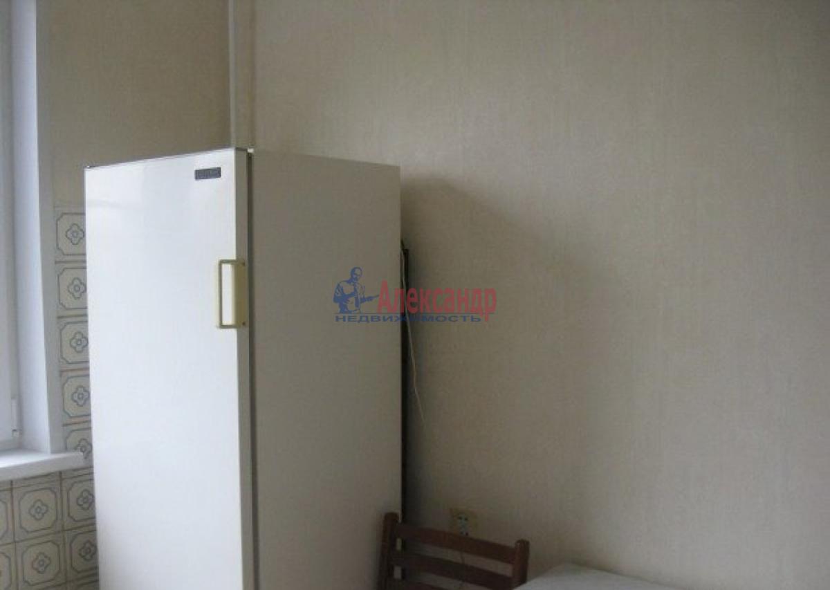1-комнатная квартира (43м2) в аренду по адресу Коломяжский пр., 20— фото 3 из 5