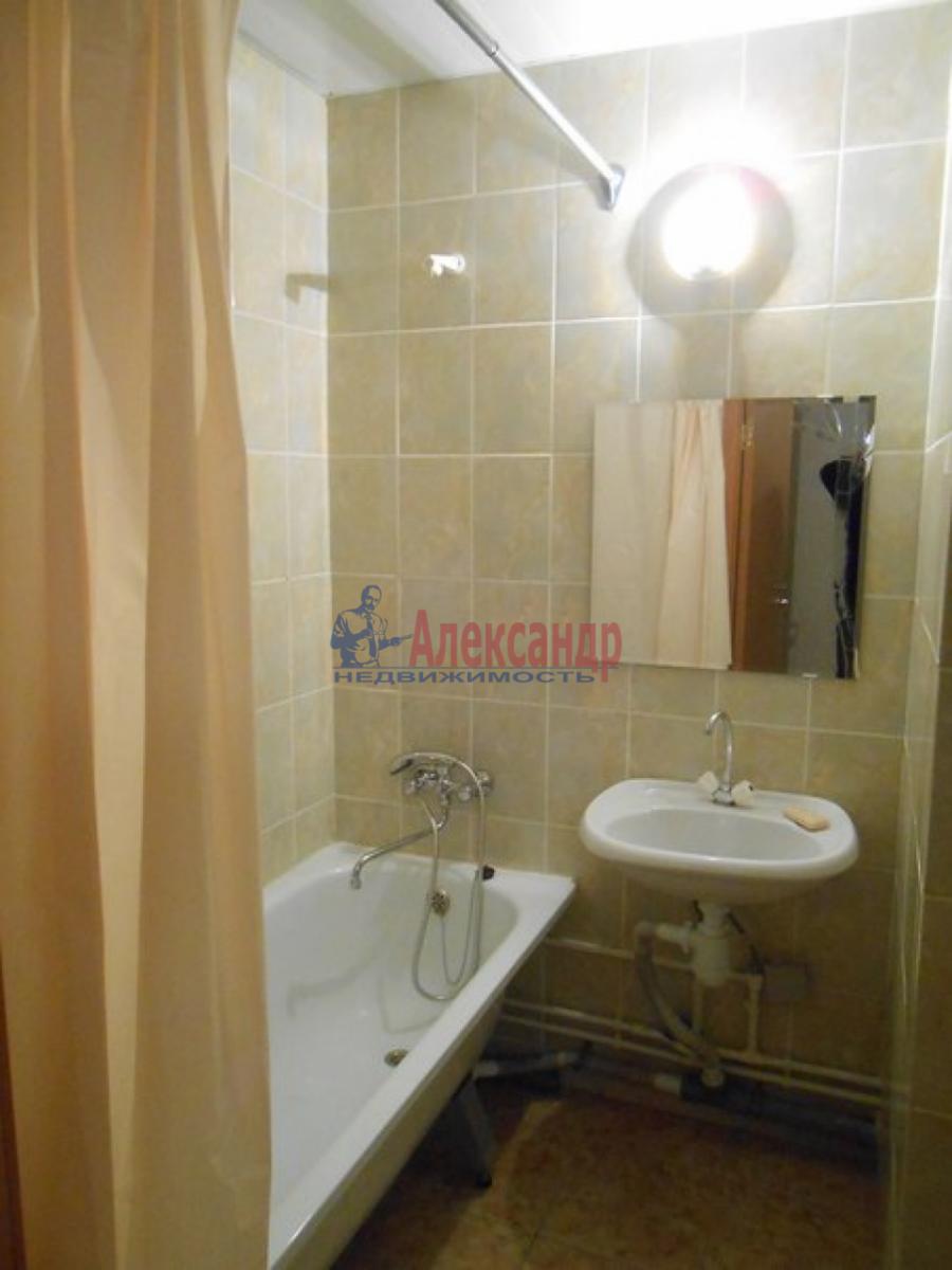 2-комнатная квартира (64м2) в аренду по адресу Шушары пос., Колпинское шос.— фото 6 из 7