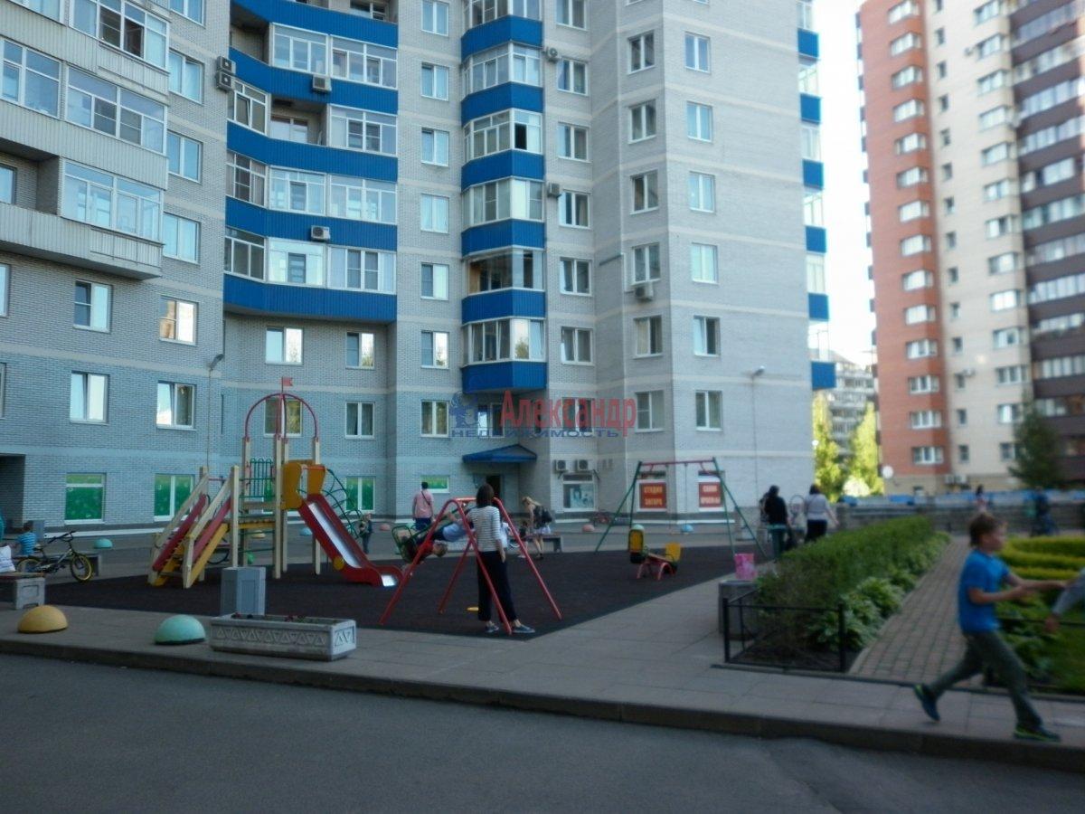 2-комнатная квартира (80м2) в аренду по адресу Асафьева ул., 5— фото 10 из 11