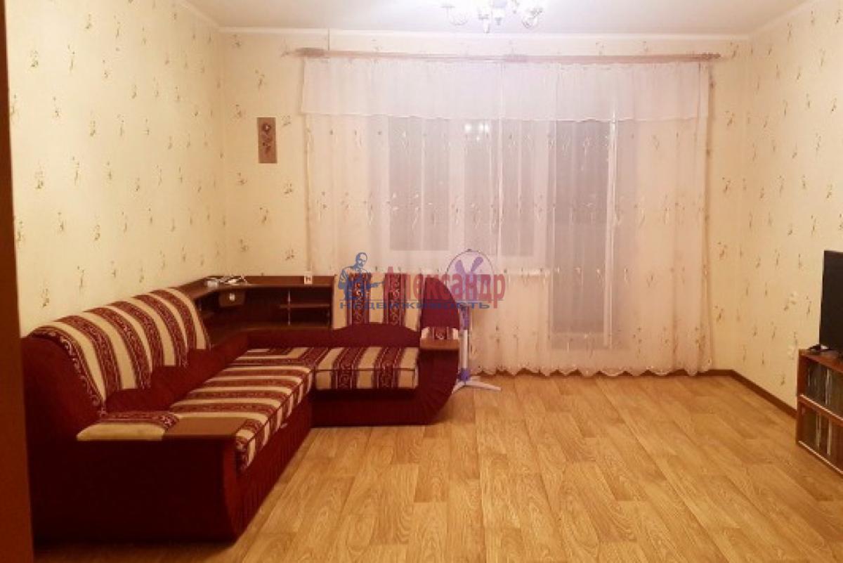 1-комнатная квартира (32м2) в аренду по адресу Богатырский пр., 5— фото 2 из 3