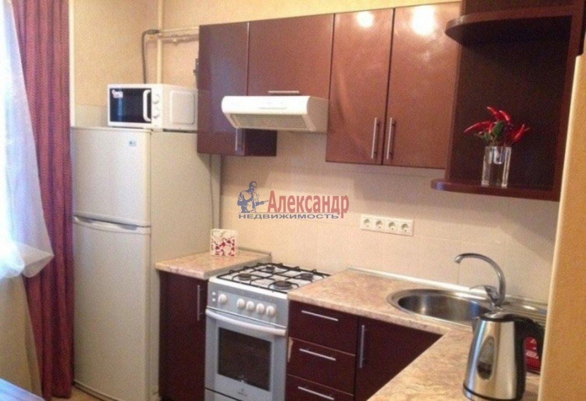 1-комнатная квартира (40м2) в аренду по адресу Кораблестроителей ул.— фото 2 из 3