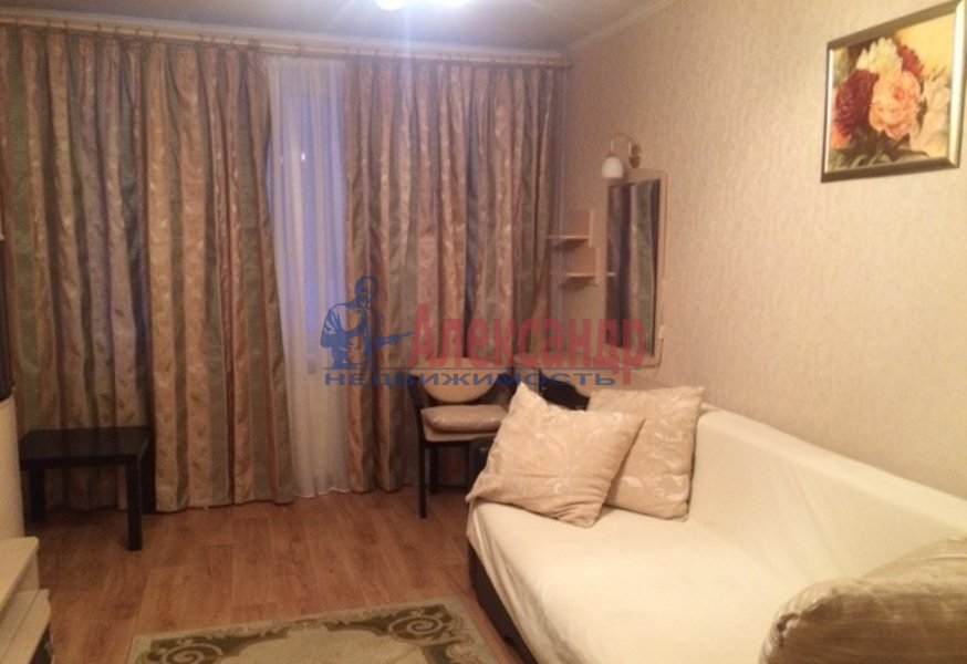 1-комнатная квартира (36м2) в аренду по адресу Антонова-Овсеенко ул., 5— фото 2 из 4