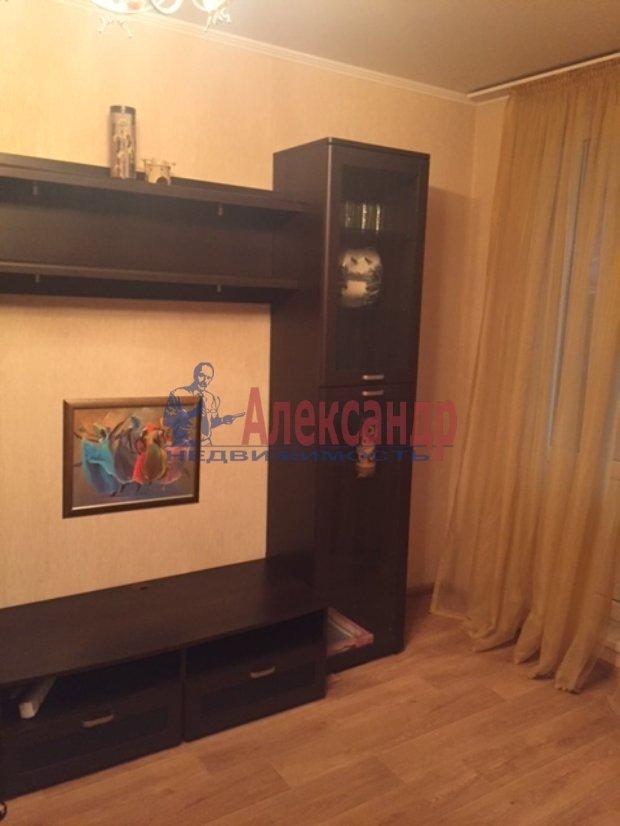 1-комнатная квартира (35м2) в аренду по адресу Славы пр., 30— фото 3 из 5